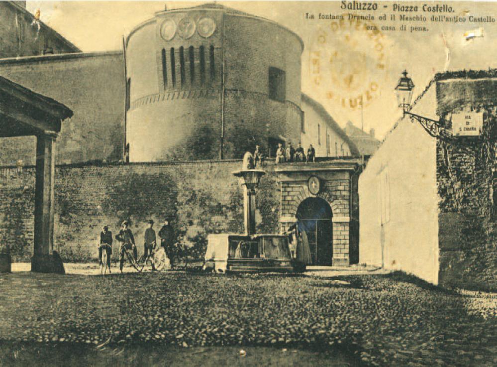 Cartolina d'epoca che raffigura il carcere alla Castiglia
